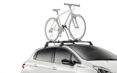 "Fahrradträger THULE ""FreeRide"" auf dem Dach"